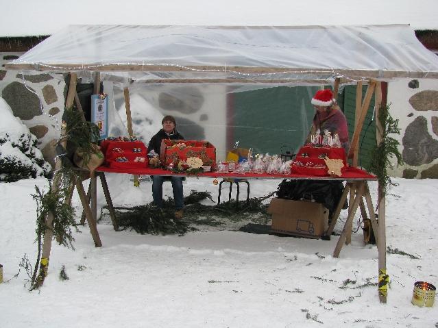 Vår första marknad. Det var iskallt men kul!